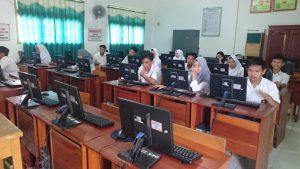 Hari Pertama Ujian Semester Berbasis Komputer (USBK) SMK Dharma Bhakti 4 Jambi